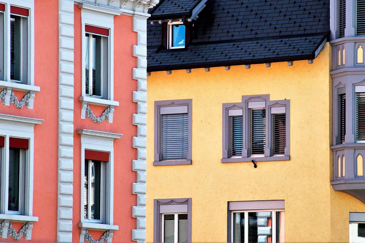 Як вибрати якісну фасадну фарбу?